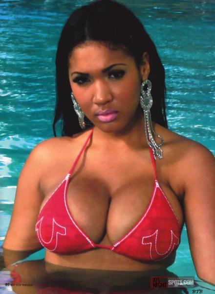 Yaris Sanchez Hip Hop Weekly Magazine Spread – Atlnightspots