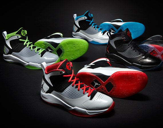 """buy popular e5d5e 03975 The shoe has Wade s """"D3"""" logo on the tongue of the shoe and will come in  multiple colors including  green and blue, white and black, and black and  red-dark ..."""