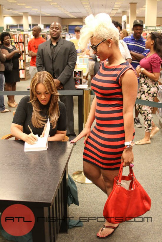 Evelyn Lozada's Inner Circle Book Signing Atlanta (11 of 17)