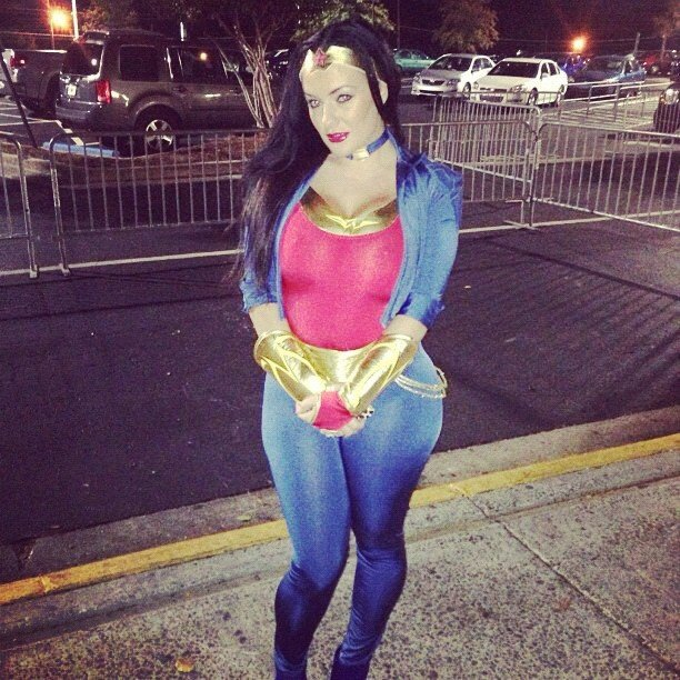 Amber priddy headed to the club on halloween atlnightspots