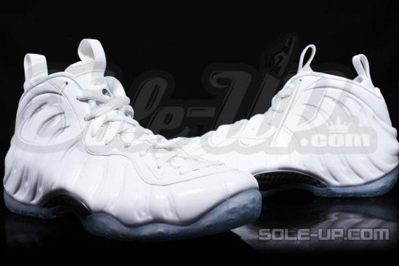 nike-air-foamposite-one-whiteout-3-570x380