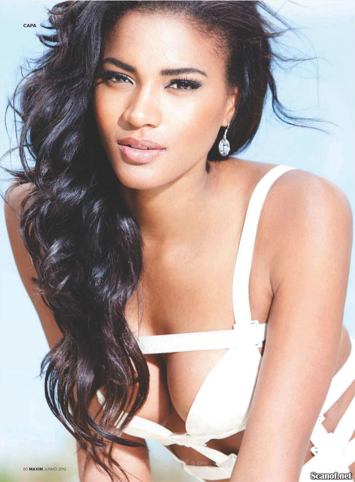 hot-leila-lopes