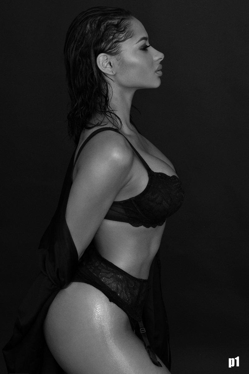 Tori Hughes Nude Photos 4