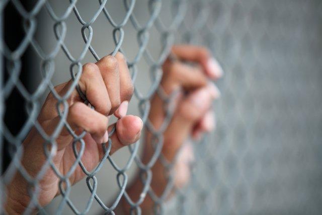 jail-bars_640_427_s_c1_c_t_0_0