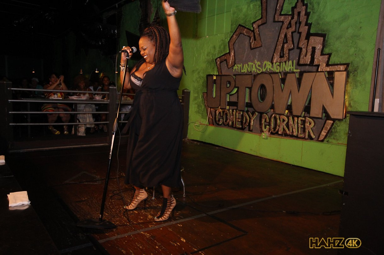 Cocoa Brown Performing Live at Comedy Corner (Pictures)